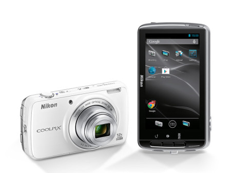 Nikon Coolpix S810c – nový konkurent pro Galaxy Zoom?