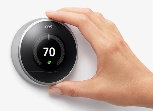 Termostat Nest zamířil do Obchodu Play