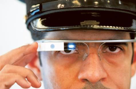 Dubajská policie začne používat Google Glass