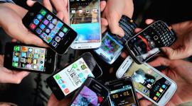 Třetina dodaných smartphonů v Q1 má úhlopříčku větší než 5″ [statistika]