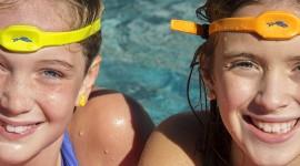"""iSwimband – """"Vaše dítě je příliš dlouho pod vodou"""""""