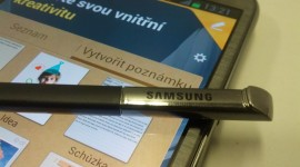 Unikly snímky Smart Coveru pro Galaxy Note 4