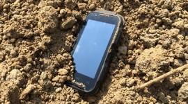 EVOLVEO StrongPhone Q4 – společník do bláta [recenze]