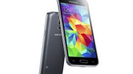 Samsung představil Galaxy S5 mini – známe cenu