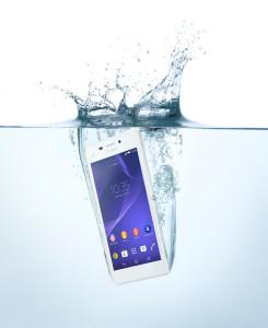 14_Xperia_M2-Aqua_White-in-Water-72dpi