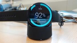Specifikace hodinek Moto 360 unikly na stránkách Best Buy [aktualizováno]