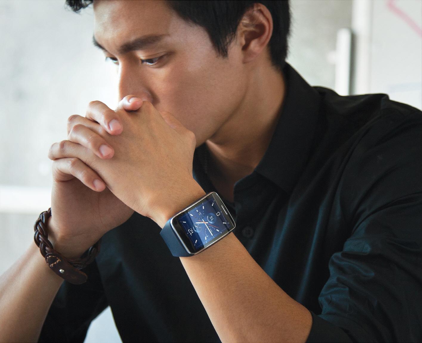 Samsung Gear S – hodinky se SIM kartou [aktualizováno]