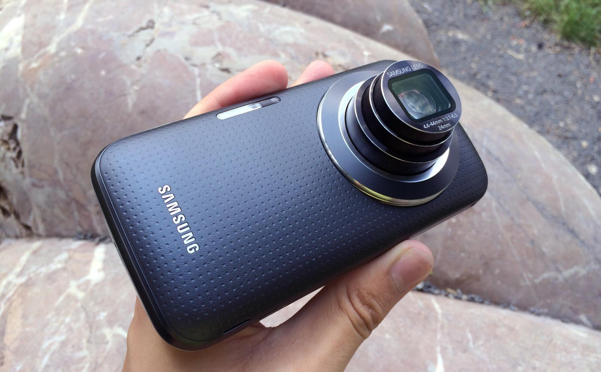 Samsung Galaxy K Zoom – kompakt v těle telefonu [recenze]