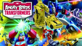 Rozzlobení ptáci opět útočí a ukazují se v novém traileru