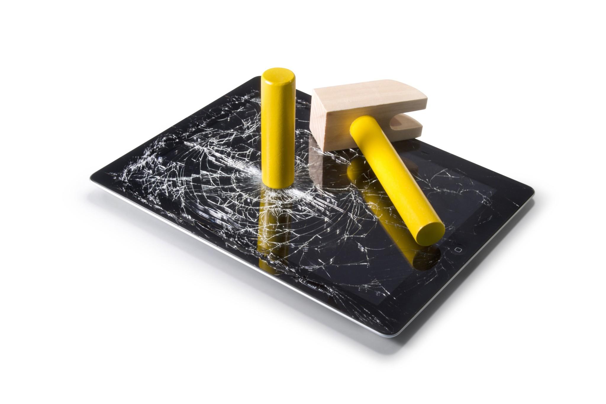Češi utratili 10 miliard Kč za opravy nebo výměny smartphonů