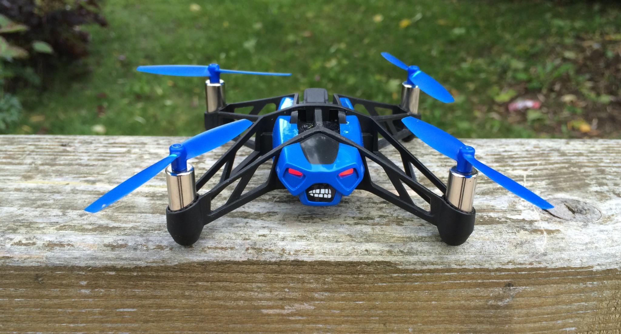 Parrot Rolling Spider – malý, ale rychlý dron [recenze]