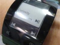 Sharp ukázal úsporný displej určený pro chytré hodinky
