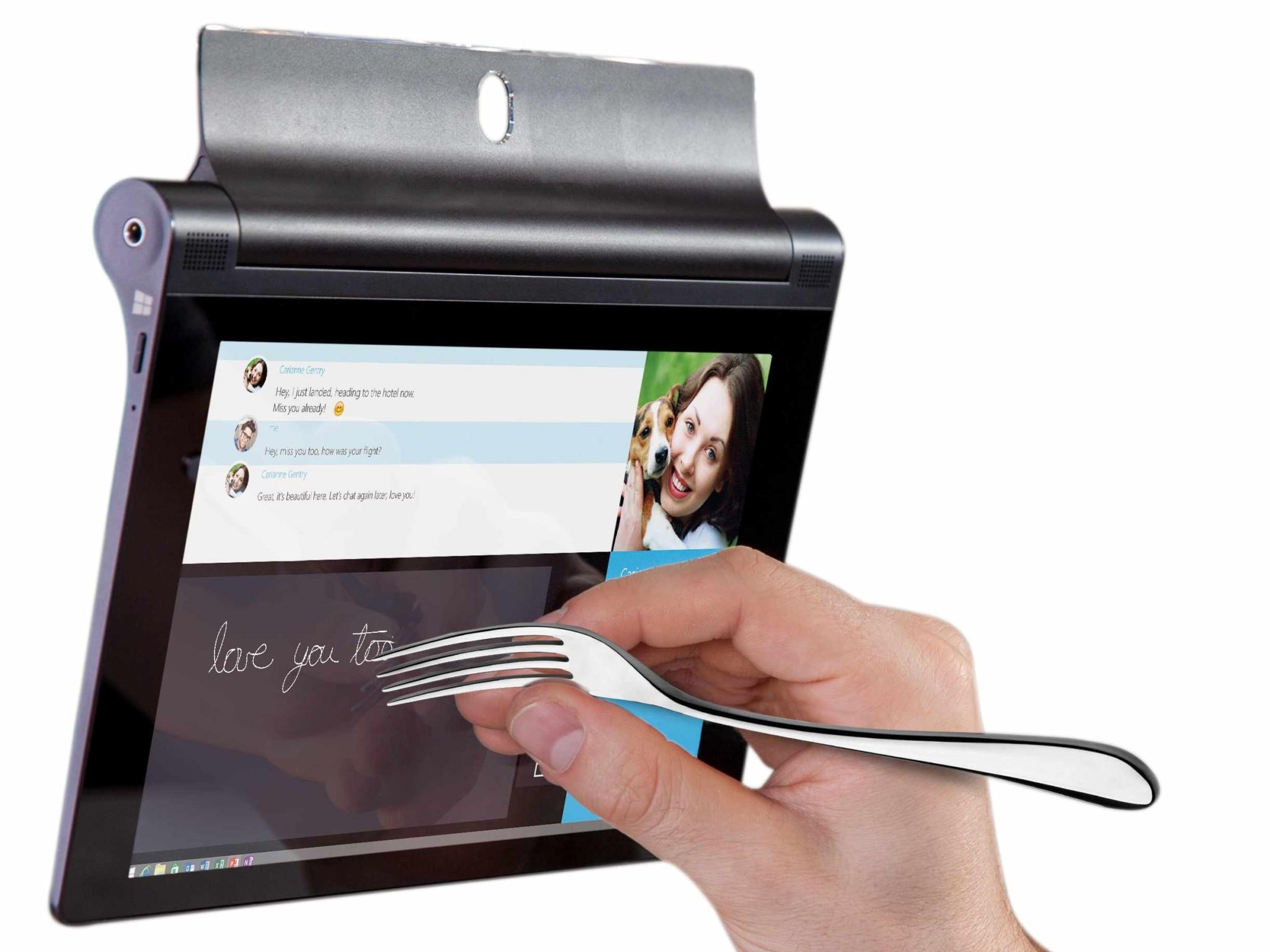 Lenovo Yoga Tablet 2 8 Windows lze ovládat třeba i vidličkou