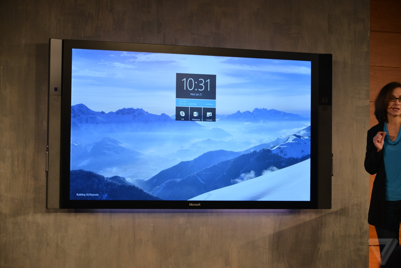 Microsoft Surface Hub – 84 palců, 4K a Windows 10 uvnitř