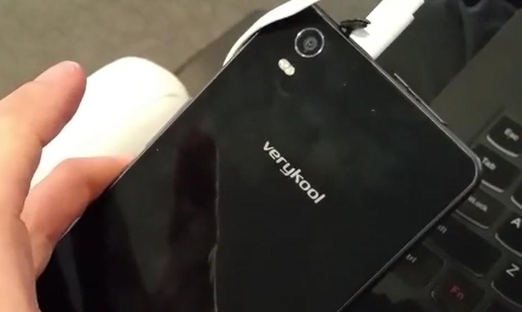 Operátoři chtějí více telefonů s Windows Phone