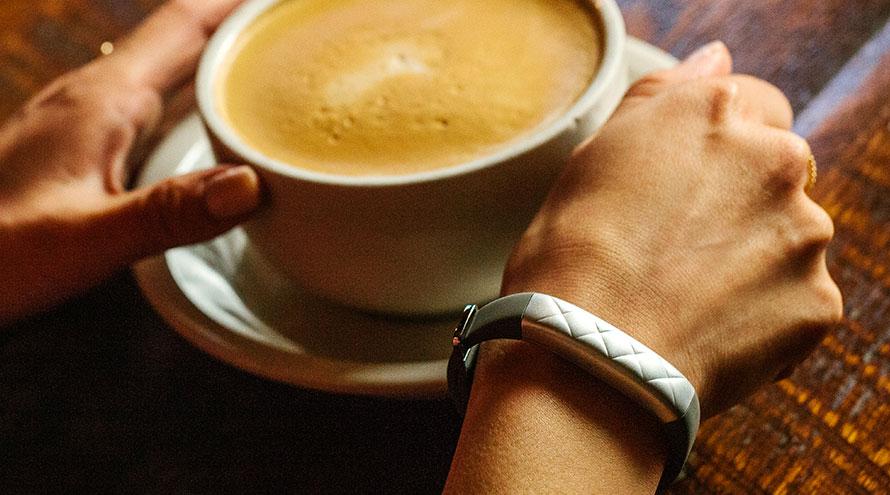 Jawbone představil dva nové chytré náramky