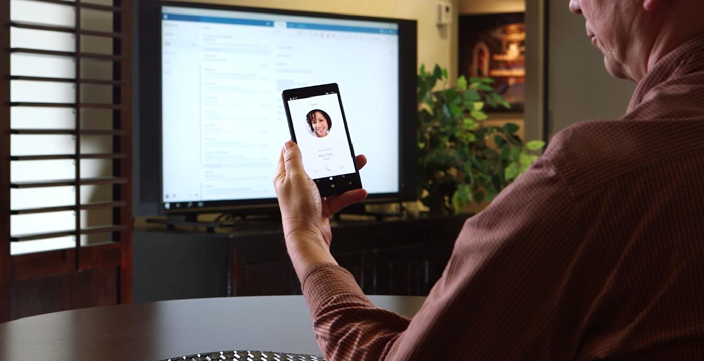 Telefony s Windows 10 půjde snadno proměnit na PC, stačí je připojit k monitoru