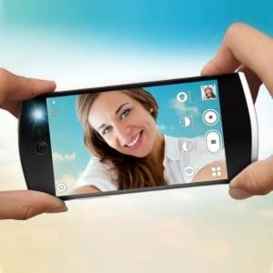BLU-Selfie-Press-Photos (2)