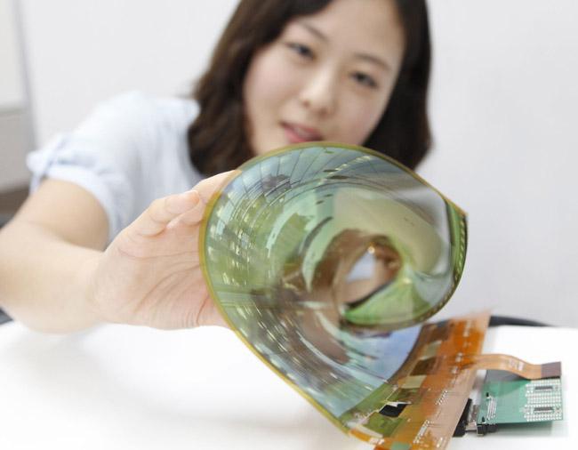 LG-Display-18-inch-flexible-OLED-panel