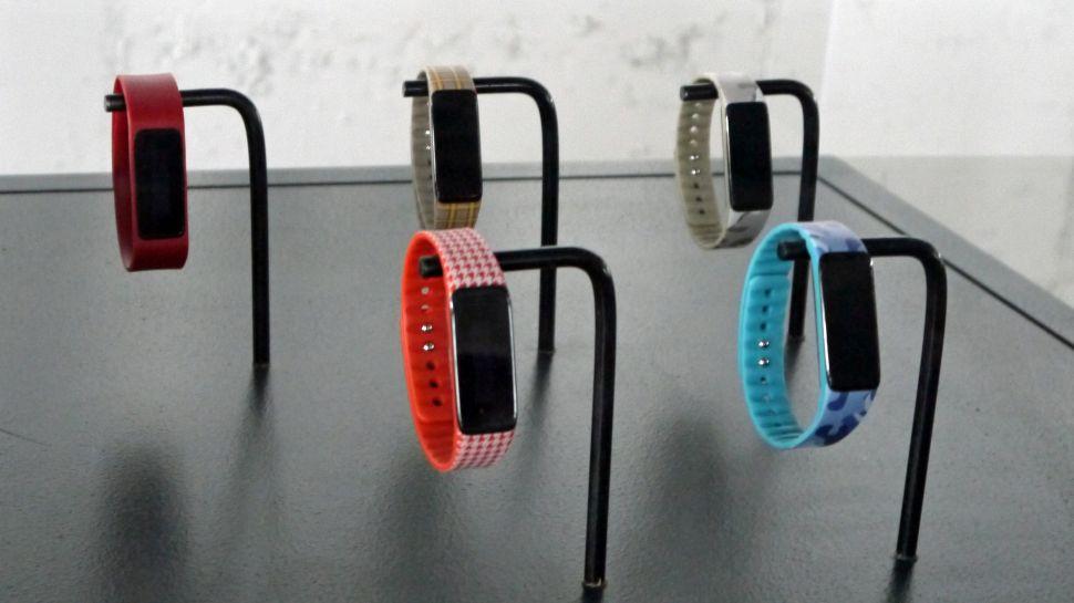 Acer představil 3 nové chytré náramky