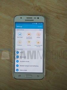 Samsung-Galaxy-J5-SM-J500-06