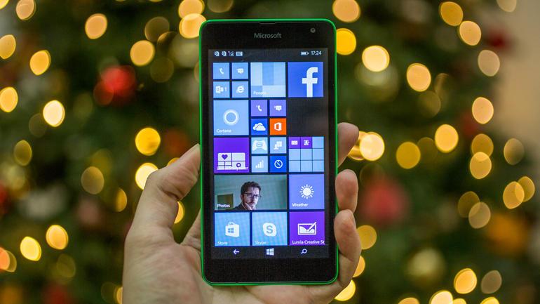 Smartphone za 80 dolarů s Windows 10 Mobile [spekulace]