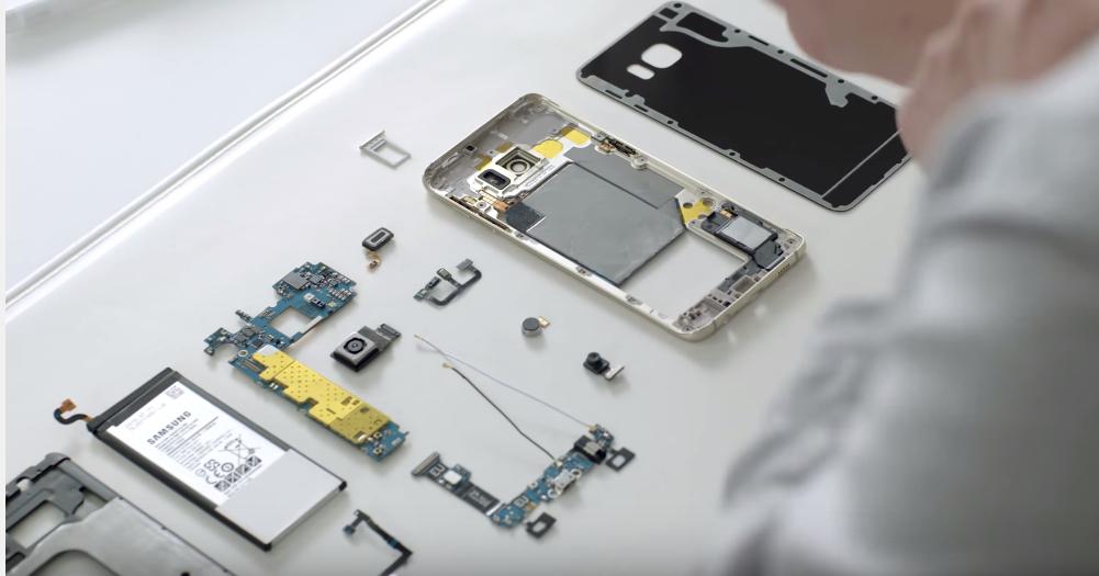 Jak se skládá a rozbaluje Samsung Galaxy S6 EDGE+