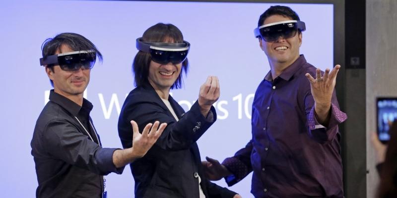 První verze HoloLens přijde příští rok, čeká je však ještě pětiletý vývoj