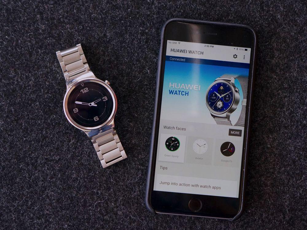Android Wear se naučil komunikovat s iOS