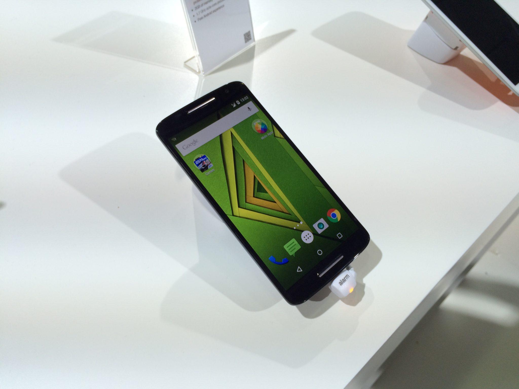 Moto X Play – první pohled [video]