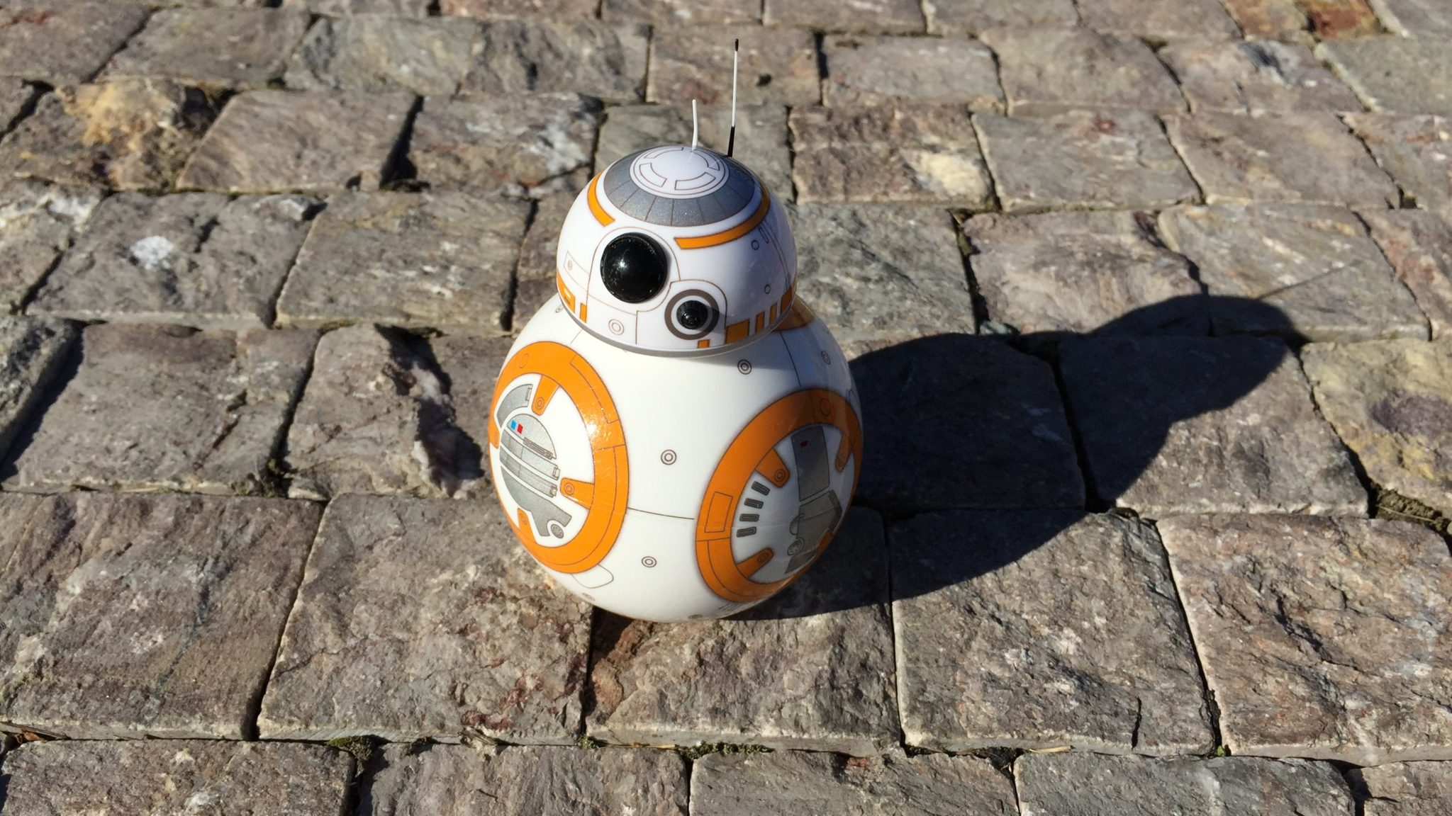 Sphero BB-8 – zajímavá hračka pro fanoušky Star Wars [recenze]