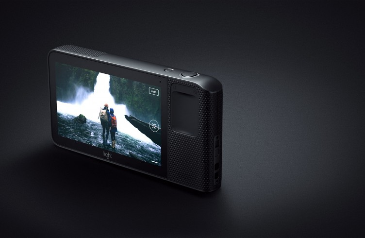 Light-L16-Camera-3-752x490