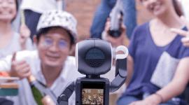 Sharp RoBoHoN - v Japonsku si zavolají z robota