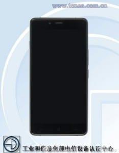 The-OnePlus-X--OnePlus-Mini-handset (2)