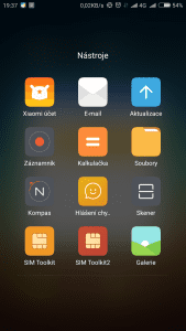 Screenshot_2015-11-23-19-37-49_com.miui.home