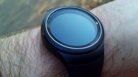 Samsung Gear SII – podařené kulaté hodinky, nebo drahá hračka na ruku s Tizen OS [recenze]