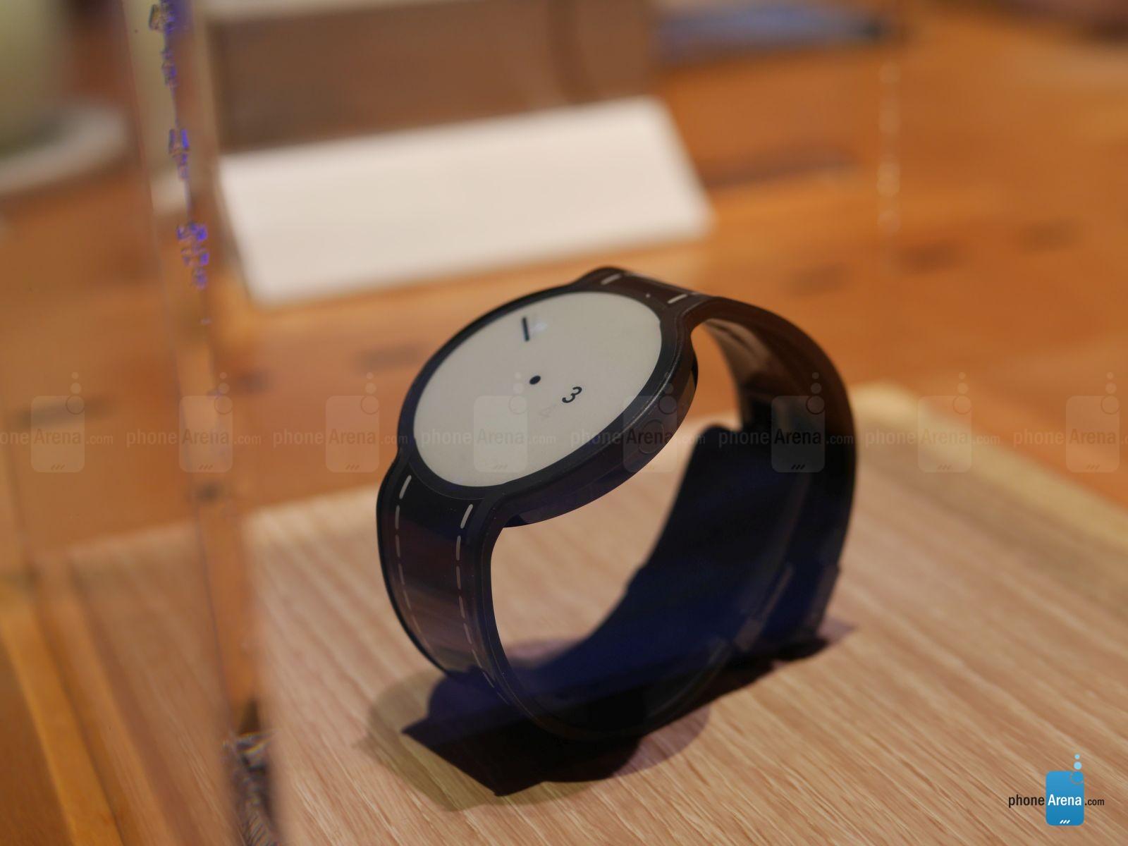 Sony a nové hodinky FES