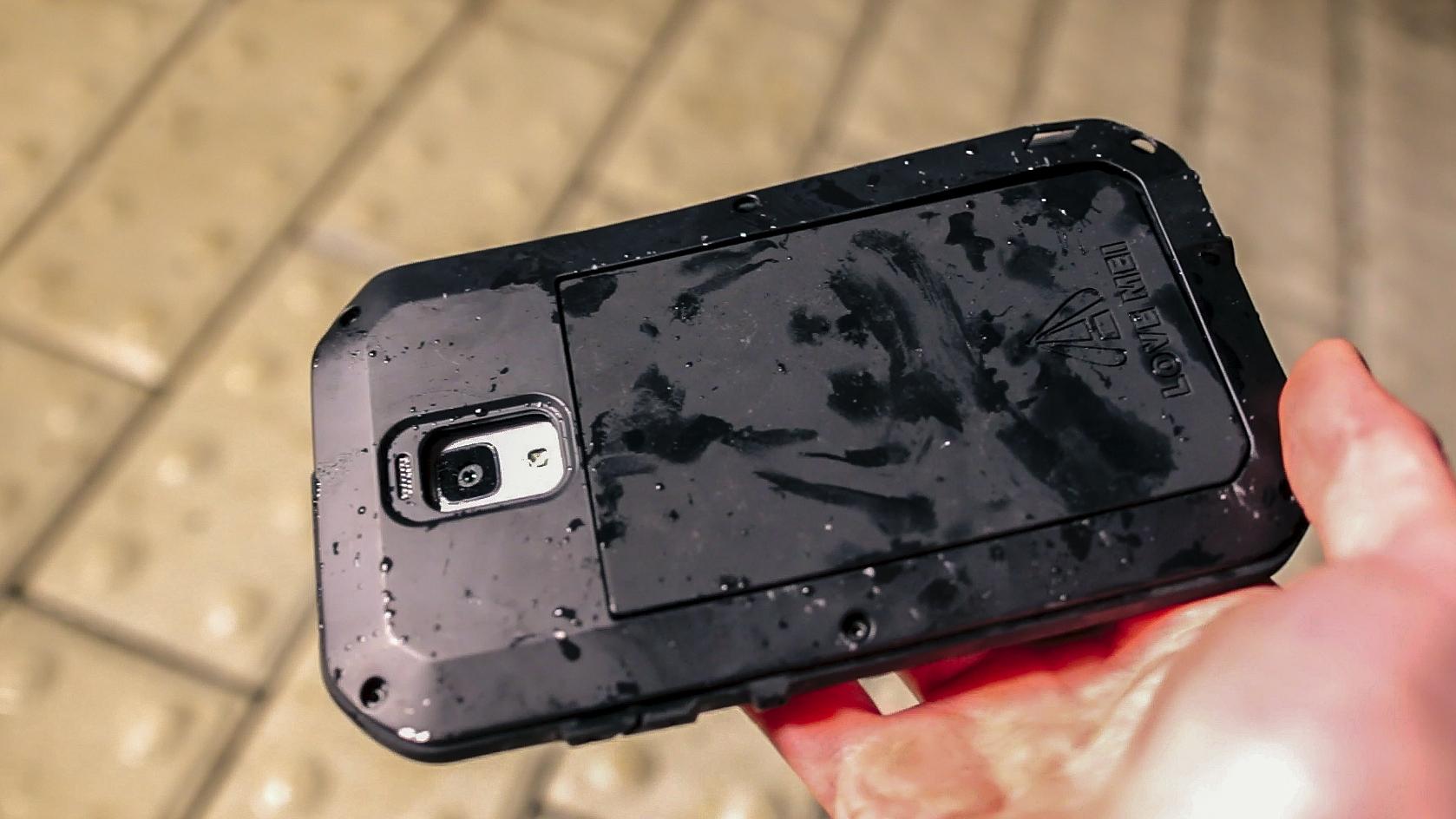 Video crash test – odolný kryt pro Xiaomi Mi4