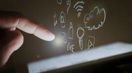 Jaké druhy mobilních aplikací si můžete nechat naprogramovat? [sponzorovaný článek]