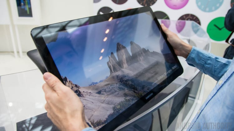 Samsung-Galaxy-View-Hands-On-AA-19-of-36