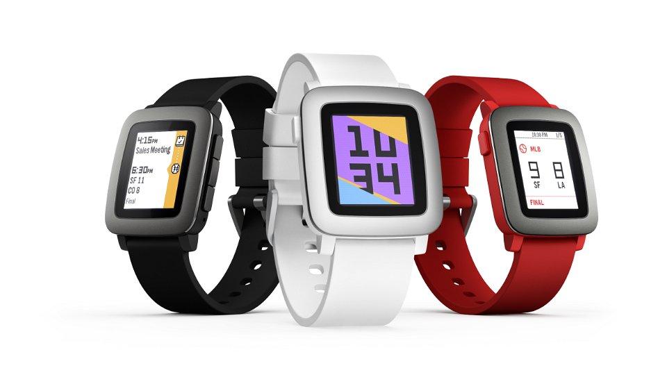 O2 jako první operátor nabídne hodinky Pebble, k dostání jsou ode dneška