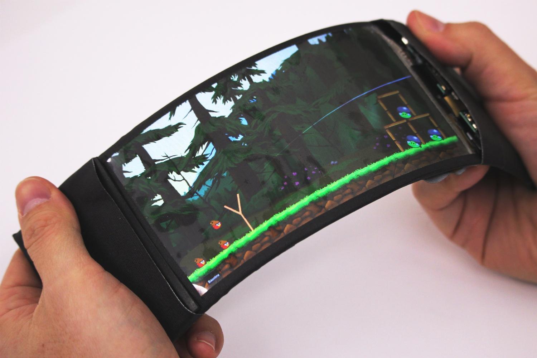 JDI představilo 5,5palcové flexibilní LCD displeje