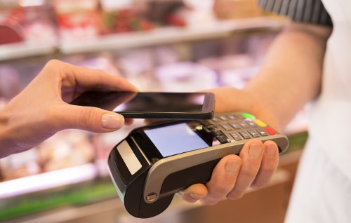 Fio banka si pohrává s NFC placením přes mobily
