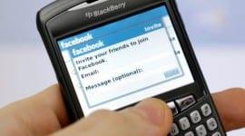 Facebook pro BlackBerry bude už jen ve webové formě
