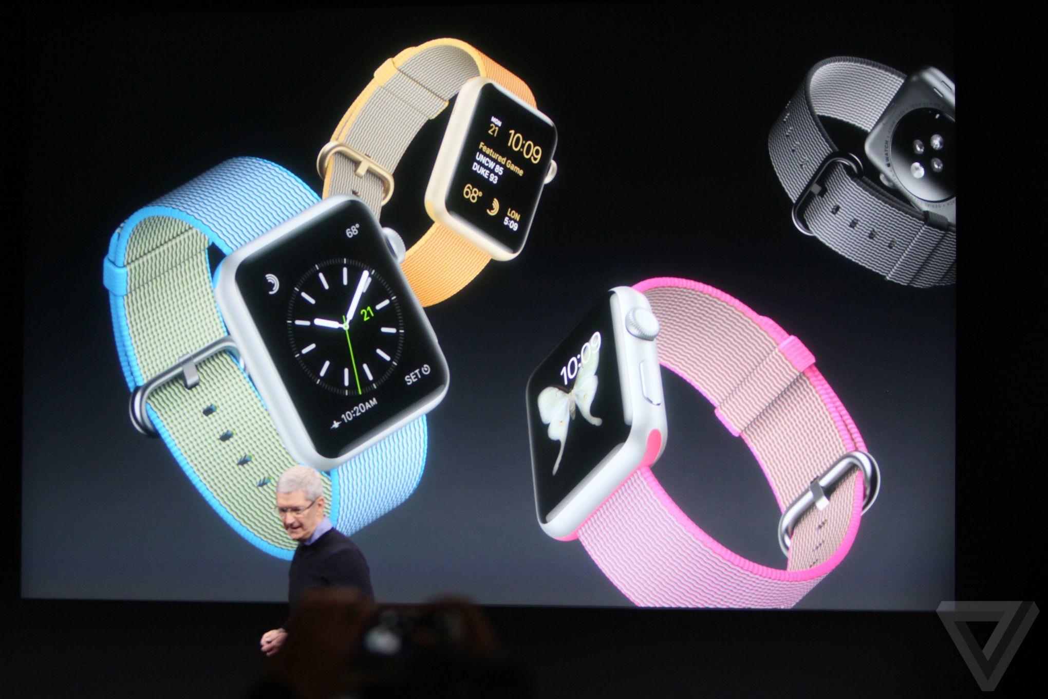 Apple uvedl nové pásky pro Apple Watch a zlevnil je