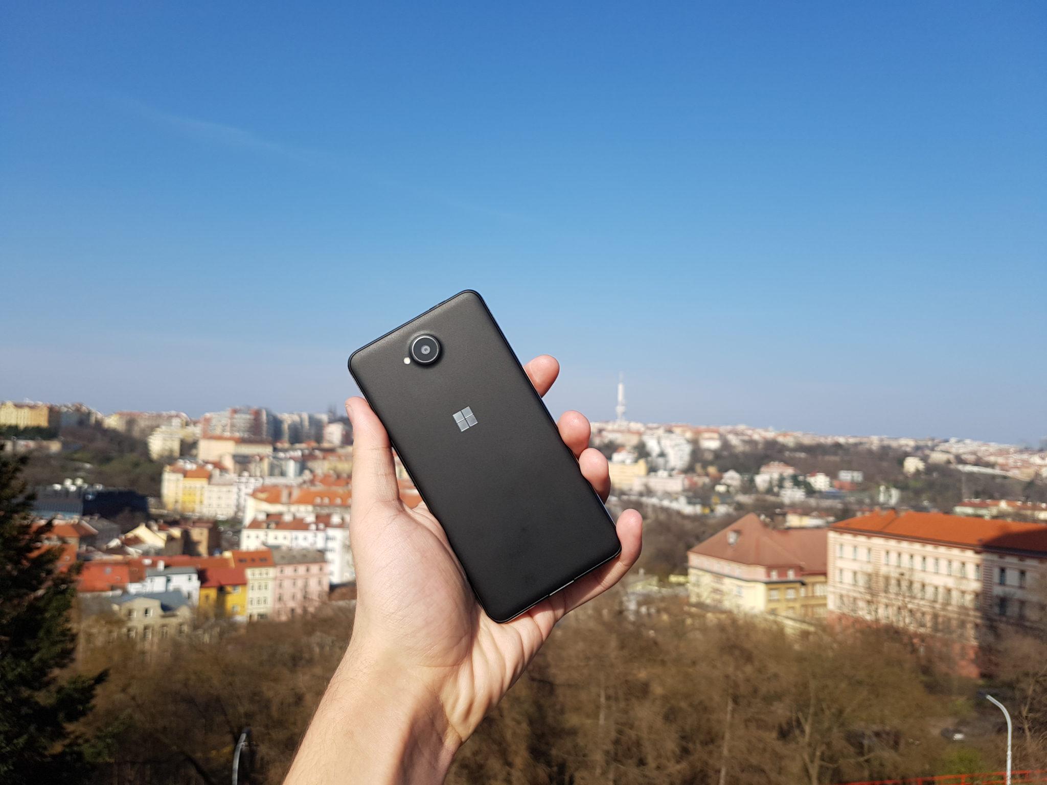 Microsoft Lumia 650 – první dojem klame [recenze]