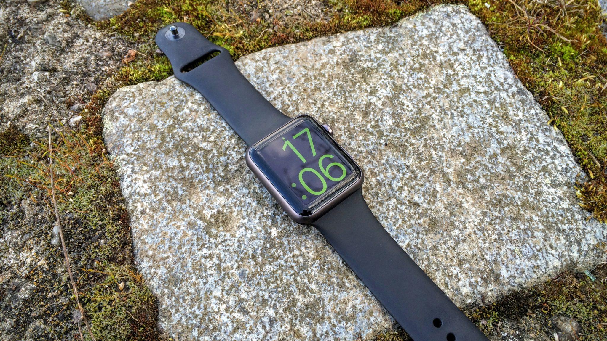Apple Watch ztrácí podíl na trhu hodinek na úkor Android Wear