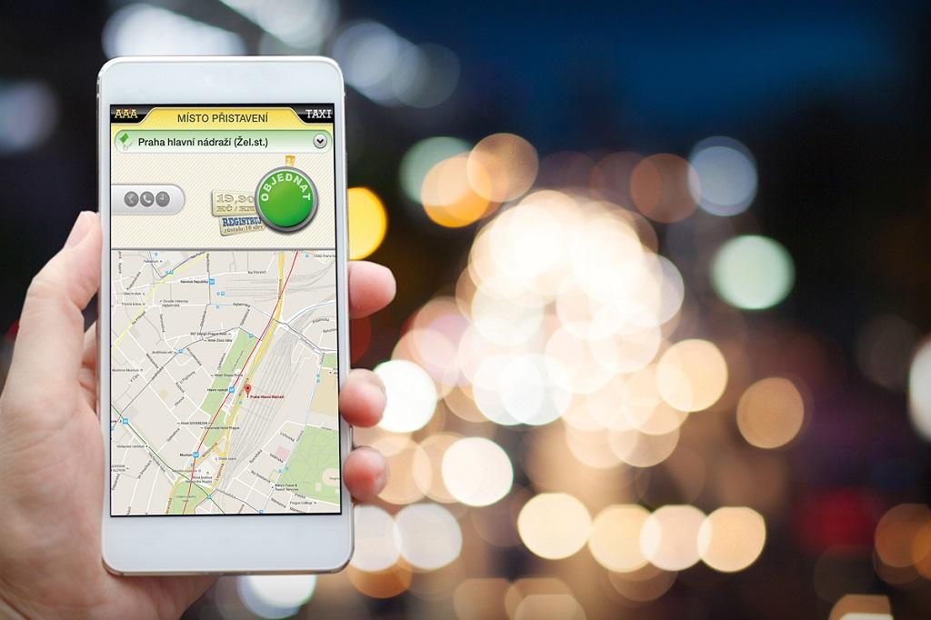 Tip na aplikaci: stačí dva dotyky a taxi je na cestě k vám [sponzorovaný článek]