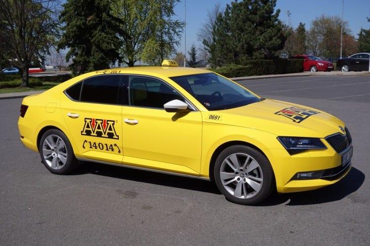 5-AAA-Taxi-Skoda-Superb-3