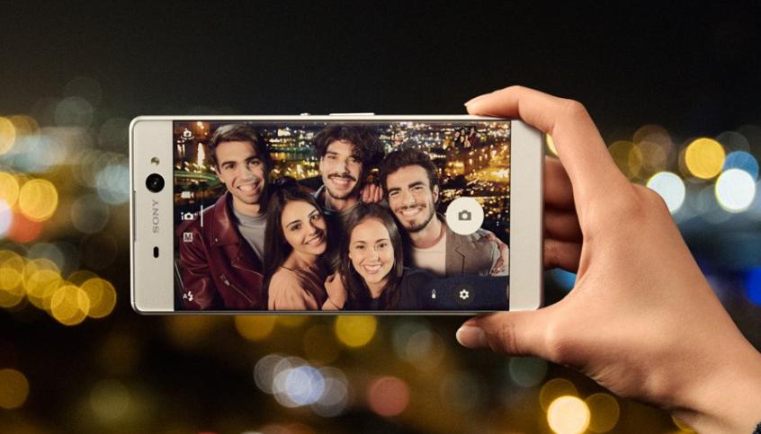 Sony Xperia XA Ultra – přední kamerka s OIS